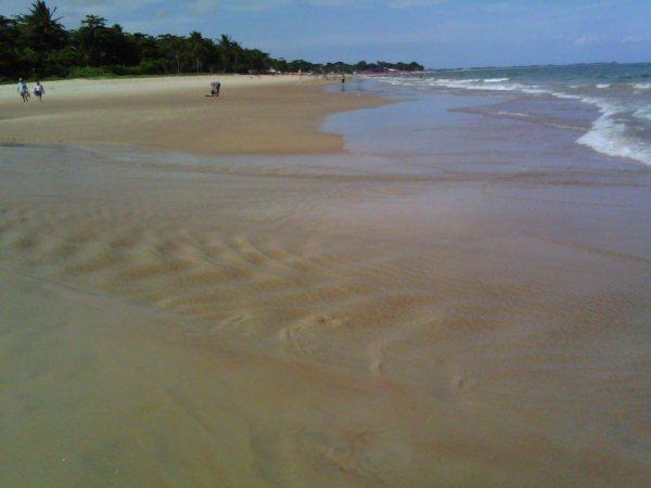 O Rio Mundaí também já apresenta sinais de poluição por esgoto, ameaçando a bela Praia do Mundaí.